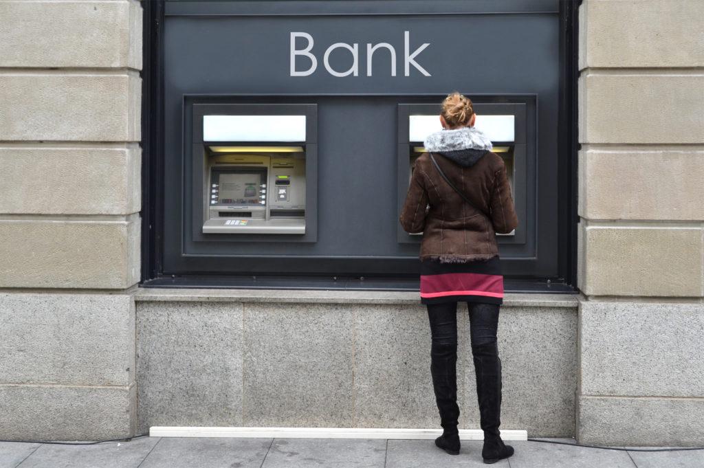 EC-Karte, Debitkarte, Kreditkarte – was hat es mit den Zahlungskarten auf sich?